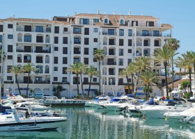 Property for sale in Manilva by the port