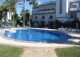 Estepona apartment for sale