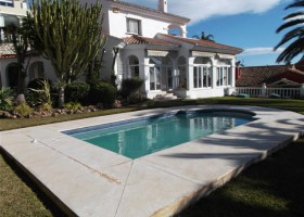 villa for sale in benalmadena, spain