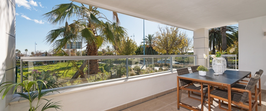 http://estatesinthesun.com/properties/wp-content/uploads/2013/02/Arqueros-Beach_Taylor-Wimpey-Spain-_Terrace_DSC1522.jpg
