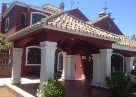 Luxury villa with 3.020 m2 commercial land