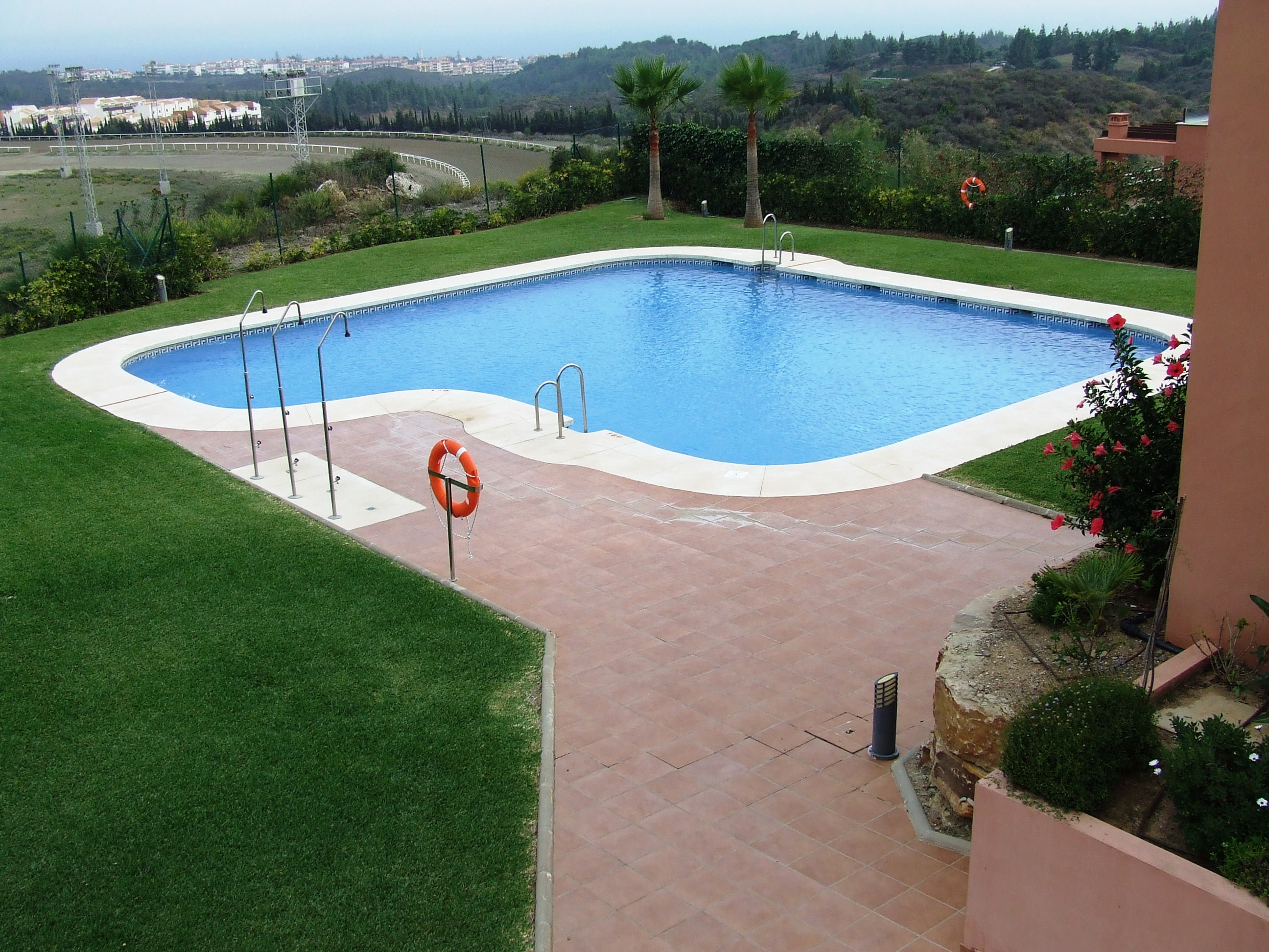 http://estatesinthesun.com/properties/wp-content/uploads/2014/07/piscina.jpg