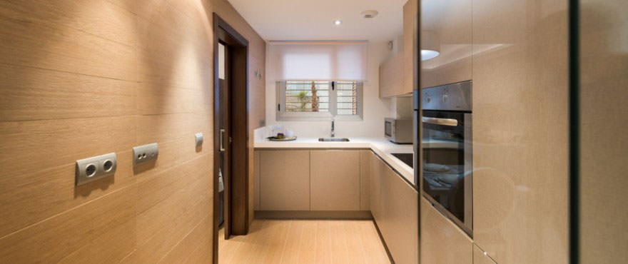 http://estatesinthesun.com/properties/wp-content/uploads/2015/06/B8_Avalon_kitchen-880x370.jpg