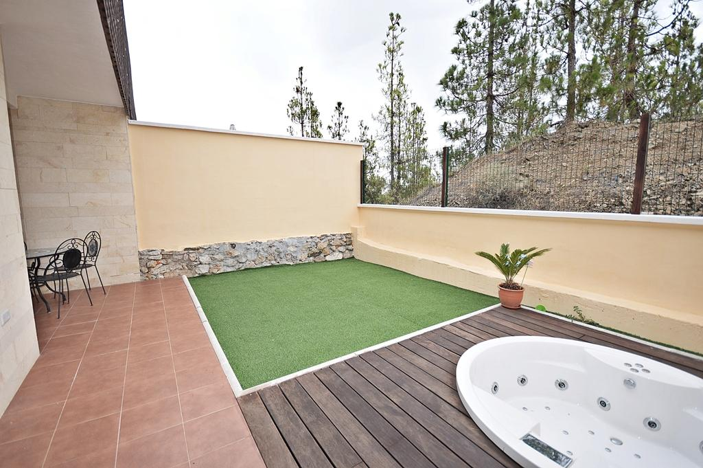 http://estatesinthesun.com/properties/wp-content/uploads/2015/08/jardin.jpg