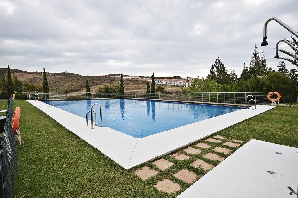 http://estatesinthesun.com/properties/wp-content/uploads/2015/08/piscina.jpg
