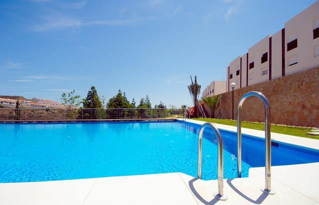 http://estatesinthesun.com/properties/wp-content/uploads/2015/08/piscinas.jpg