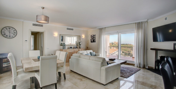Luxury 2 bedroom Pentohouse in Calahonda