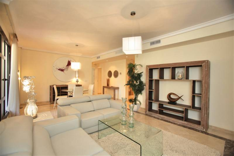 http://estatesinthesun.com/properties/wp-content/uploads/CSF3503CDS_photo4.jpg
